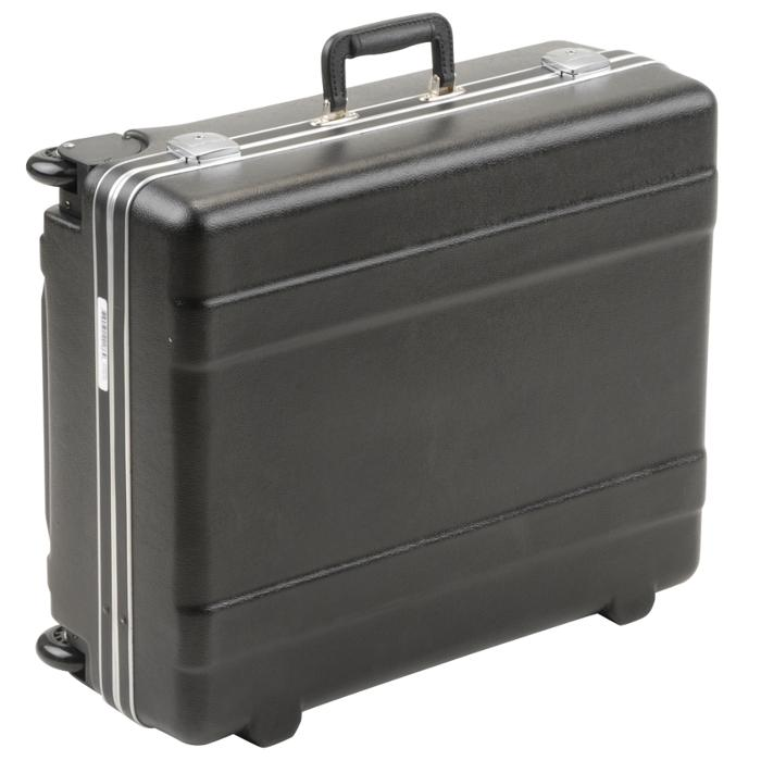 SKB_3SKB-2218MR_WHEELED_PLASTIC_SUIT_CASE